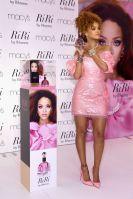 Singer-Rihanna-attends-the-RiRi-by-Rihanna-fragrance
