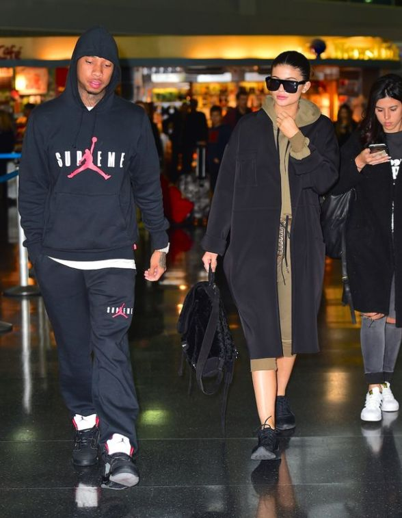 Kylie-Jenner-was-spotted-arriving-in-NYC-on-Wednesday-with-Boyfriend-Tyga
