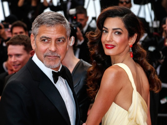 amal-clooney-pregnant-twins-011817